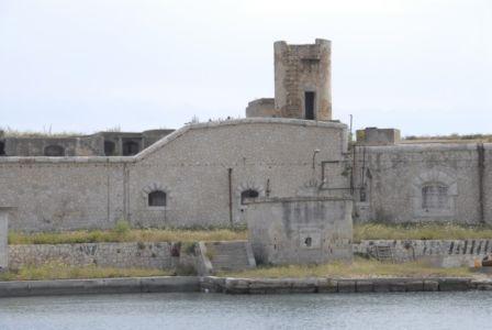 0047  Isola Di S.Paolo-Fortificazioni